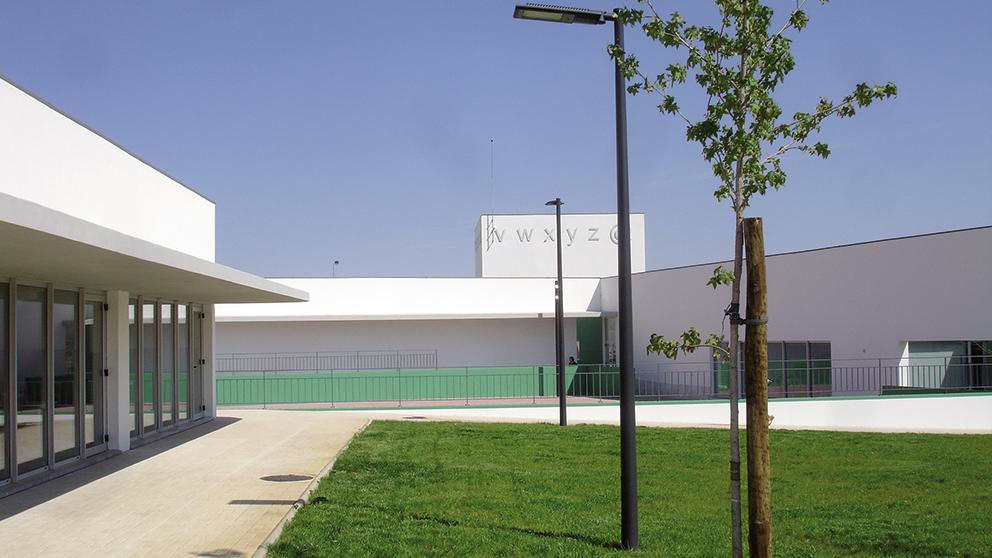 École Primaire Et Crèche De Mogadouro